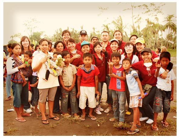 Bersama anak-anak pengungsi